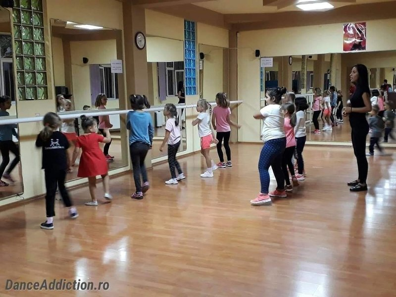 Scoala de dans Dance Addiction Calarasi